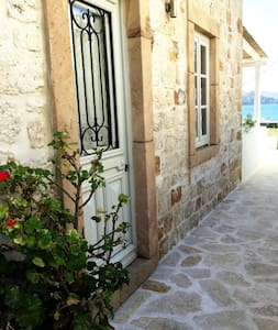 Sapsila Beach Stone House - Patmos - 一軒家