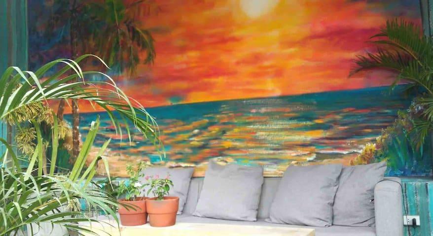 3 single bed room in mactan near the beach
