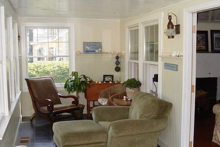 Water View Cottage - Steps to Beach - Wareham