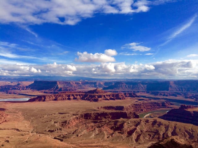 An overlook from Dead Horse Point State Park