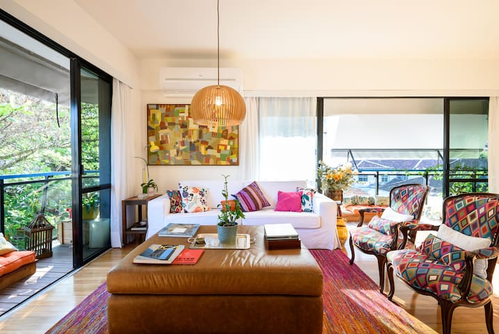 Small suite with view to Botanical Garden