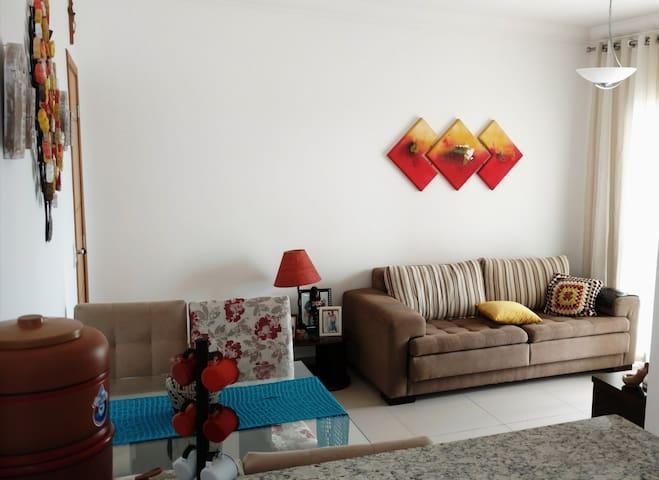 Apartamento Aconchegante, Limpo e Bem Localizado!
