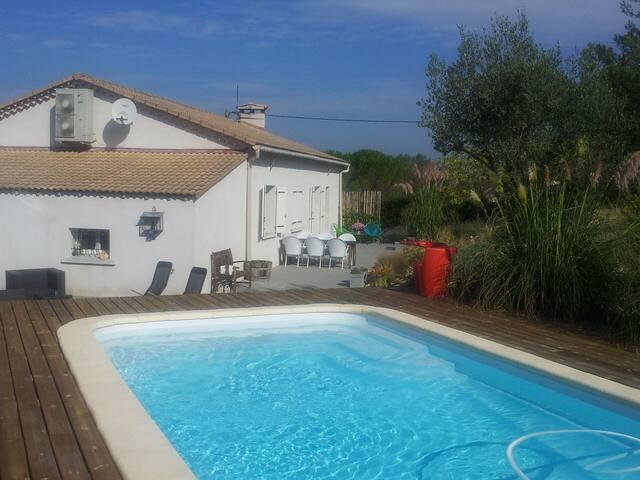 Vrijstaand huis met zwembad - Lézan - Casa