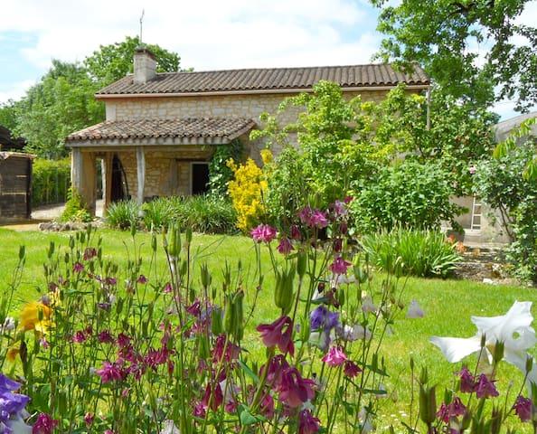 Jolie maison, sud Périgord - Plaisance - บ้าน