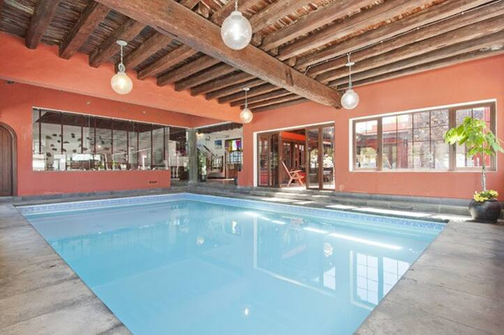 Villa Haria con piscina Interior!
