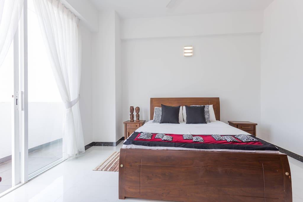 Comfort - Queensize bed.