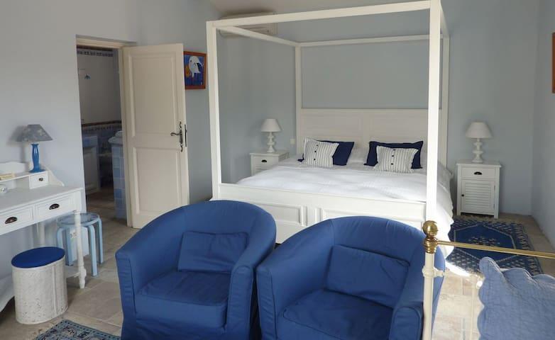 GuestHouse Le Mas del So(URL HIDDEN)  - Bonnieux - Bed & Breakfast
