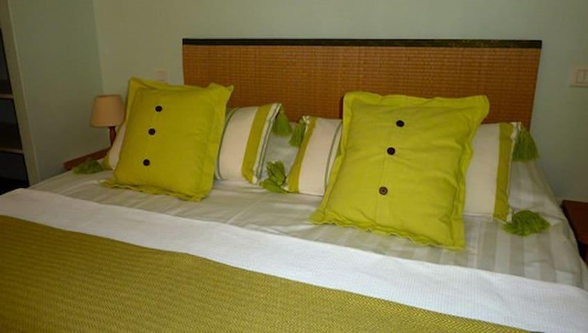Guest house Le mas del sol - Bonnieux - Bed & Breakfast