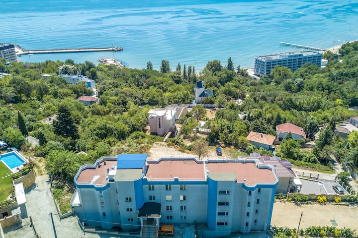 Budget sea view apt 4 guests nearby beach