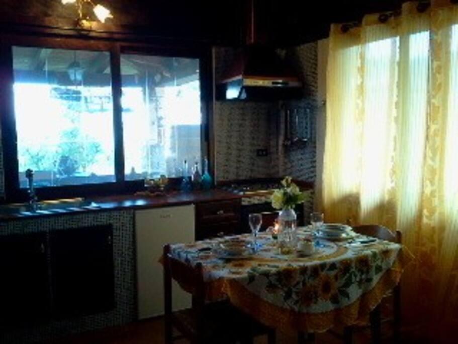 Cucina-soggiorno.