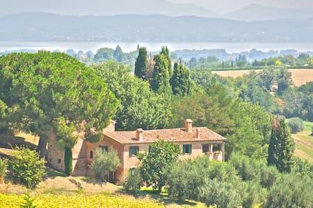 Torre di Tabacco apt Umbria Tuscany