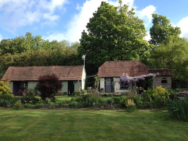 Charming Deer Cottage Tunbridge Wells