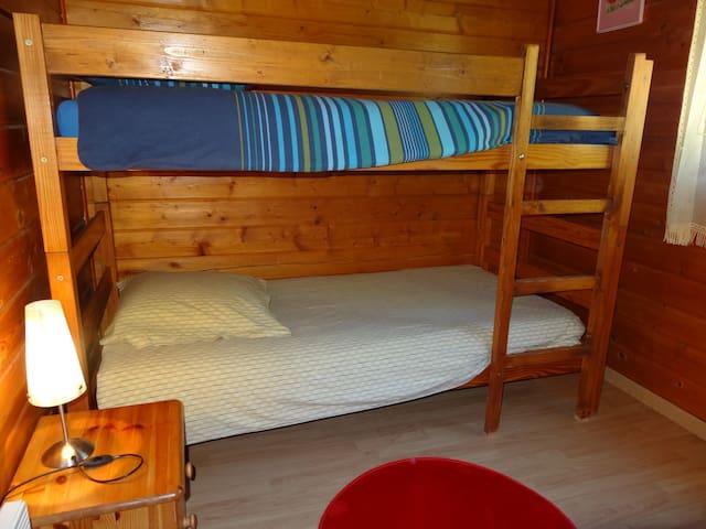 chambre 2 lits superposés