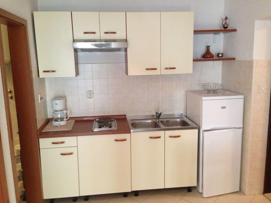 Apt Goran 2 Kitchen