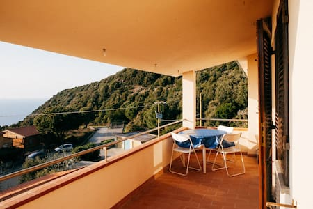 180* view to sea house and terrace - Marciana - Lejlighed