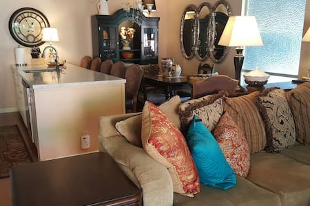 Charming Townhouse/Great Location - Napa - Apartment