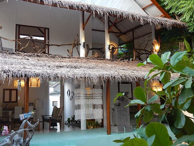 Sahara Sands, Charming Beachouse - Gili Trawangan - Hus