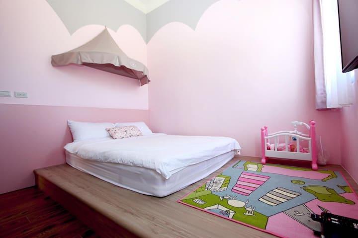Orange Castle-Princess room