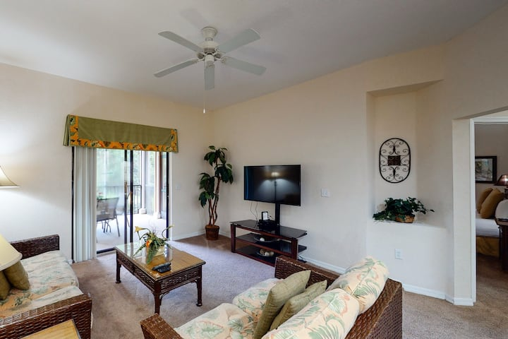 1st floor condo w/ patio, shared pools, gym, limited-mobility access, sauna