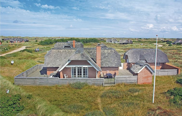 Holiday cottage with 2 bedrooms on 100 m² in Blåvand