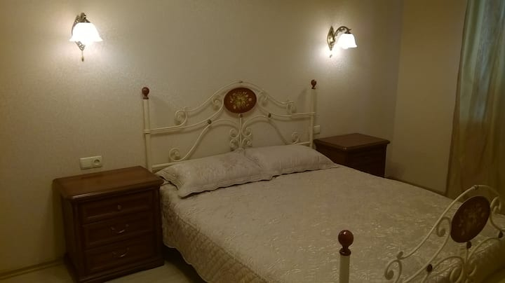 Clean room for 1-2 guests. Комната для 1-2 гостей.