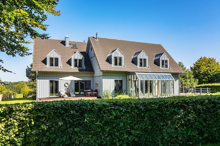 Charmantes Holzhaus am Nationalpark Eifel