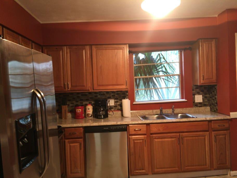 Side kitchen view