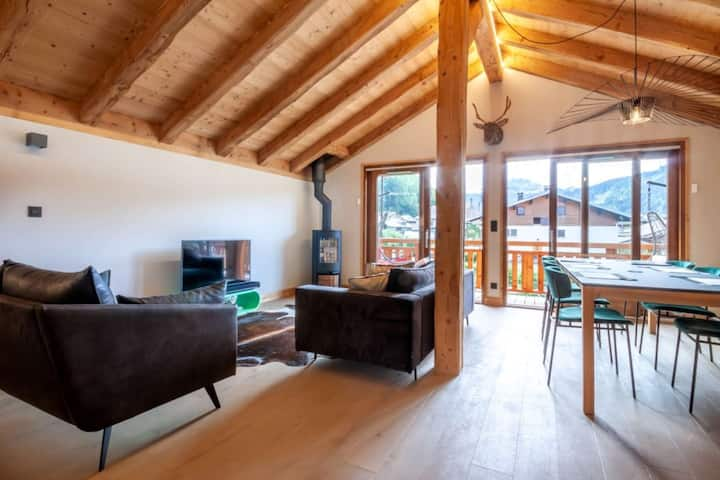 Recent and modern chalet 8 people with jacuzzi near Morzine