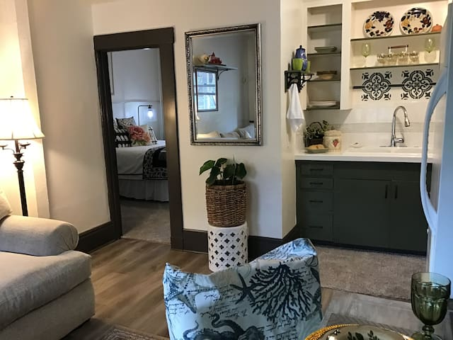 Living room, kitchen and one bedroom garden apartment