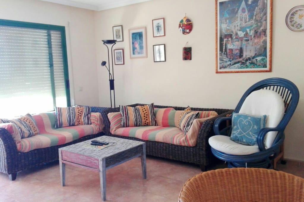 Living room. Salón.