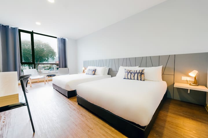2 Queen bed with city view_CSL