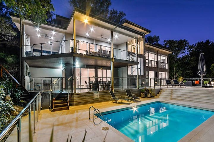 The Vue Ocean View 4 Brm House With Pool - Hamilton Island - House