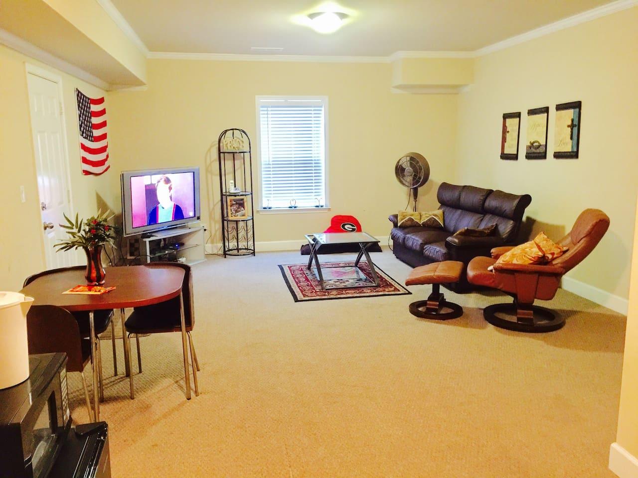 Large Sitting Area