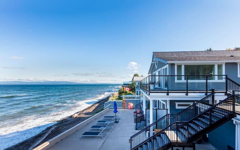 Luxury Oceanfront Suites ALL