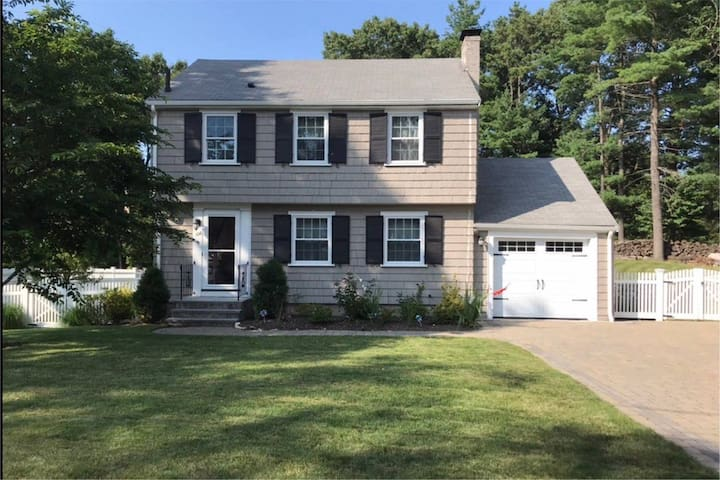 3bed colonial, large yard, walk to train to Boston