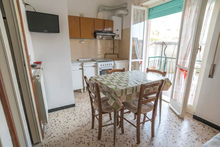 apt for 3+2 persons in Pietra Ligure R82309