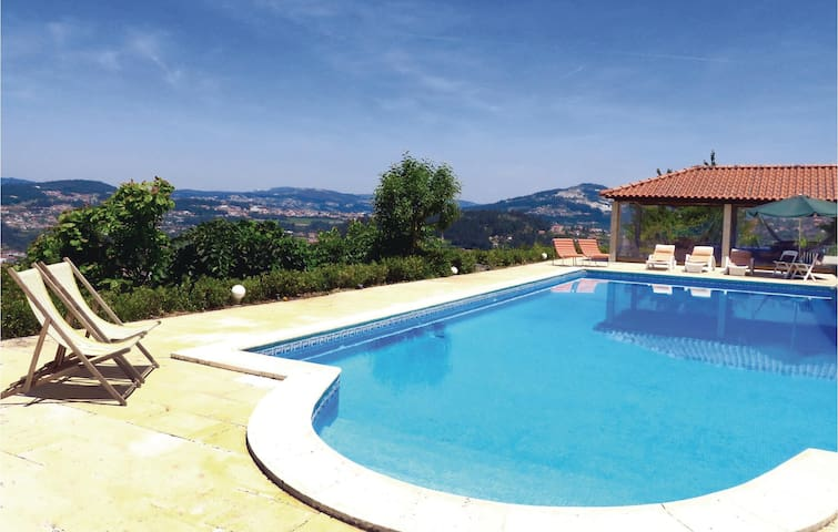 Holiday cottage with 2 bedrooms on 70 m² in Castelo de Paiva