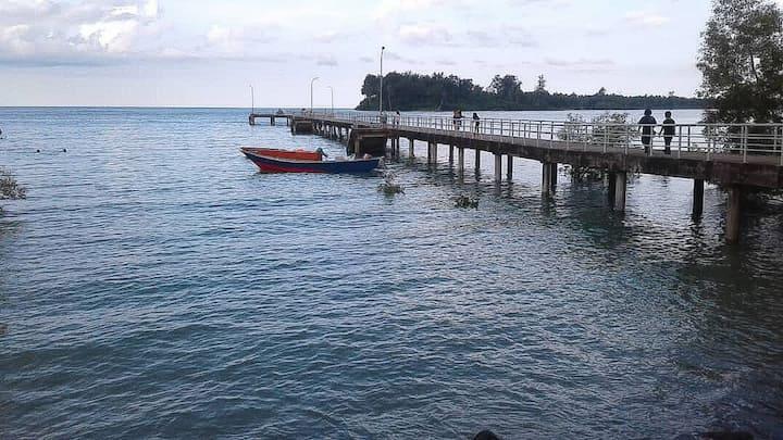 Beach front homestay Dayak Borneo Style