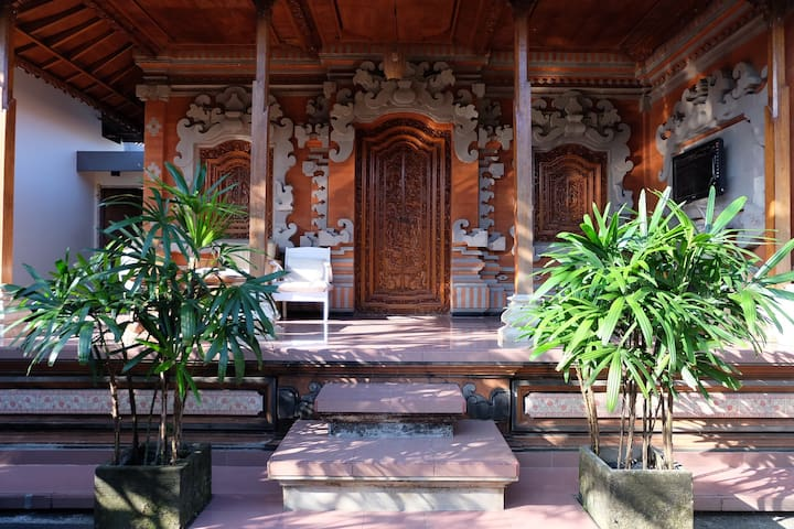 Amazing balinesse style room you can stay