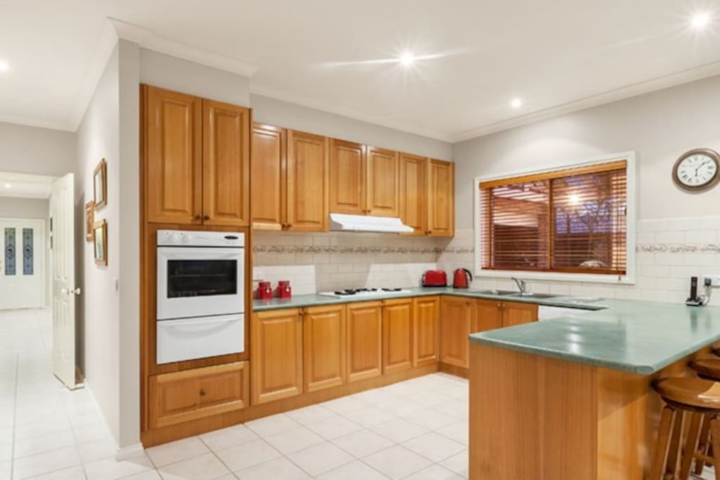 Spacious kitchen, guests are welcome to use cooking equipment with a 'use, clean, put-away' philosophy