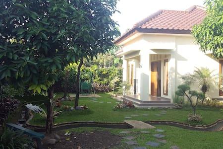 Villa Kebun Akung - Tanah Sereal
