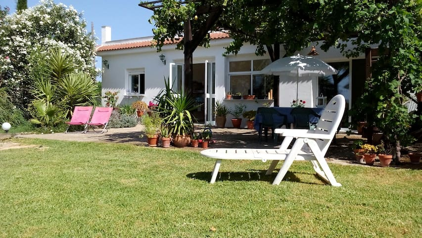 Room in rural house close to beaches & pine forest - Chiclana de la Frontera - Huis