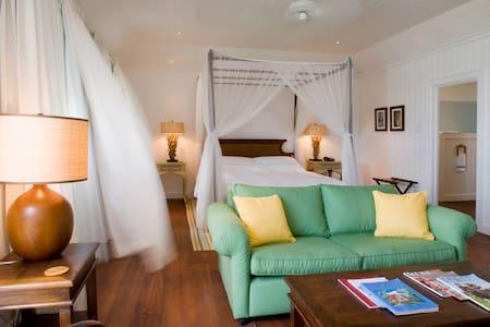 7 Bedroom Coastal Retreat - Bathsheba - Gästehaus