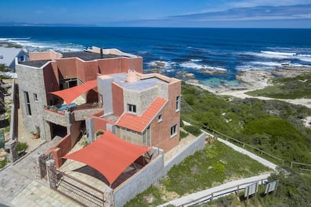 Panoramic room right on the beach - Hermanus - Hus