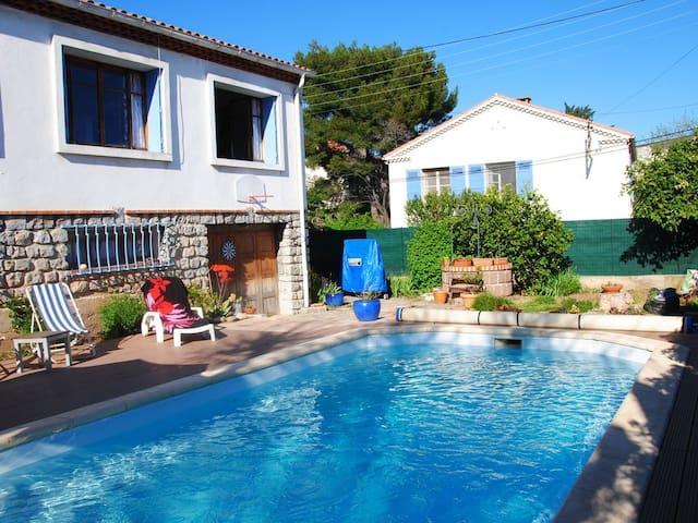 Chambre  2 personnes dans grande villa, piscine