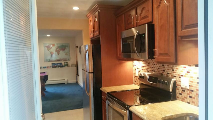 New, Clean & Cozy in-law apt near Boston - Woburn - House