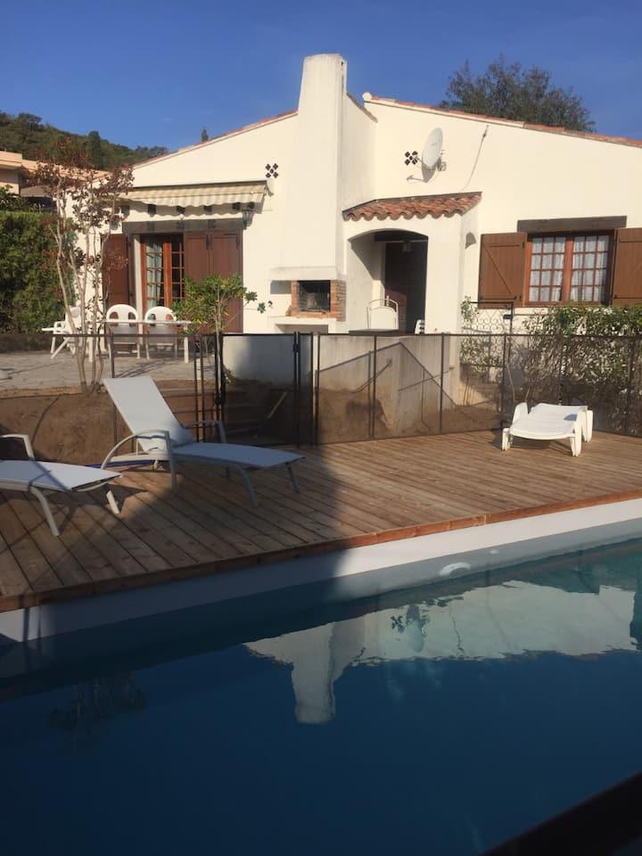 jolie maisonnette avec piscine privée