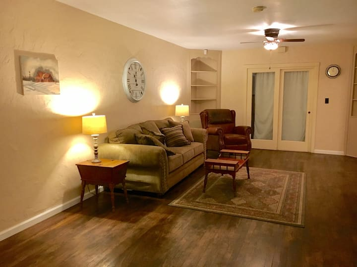 Large Three Bedroom Home in Downtown Roswell