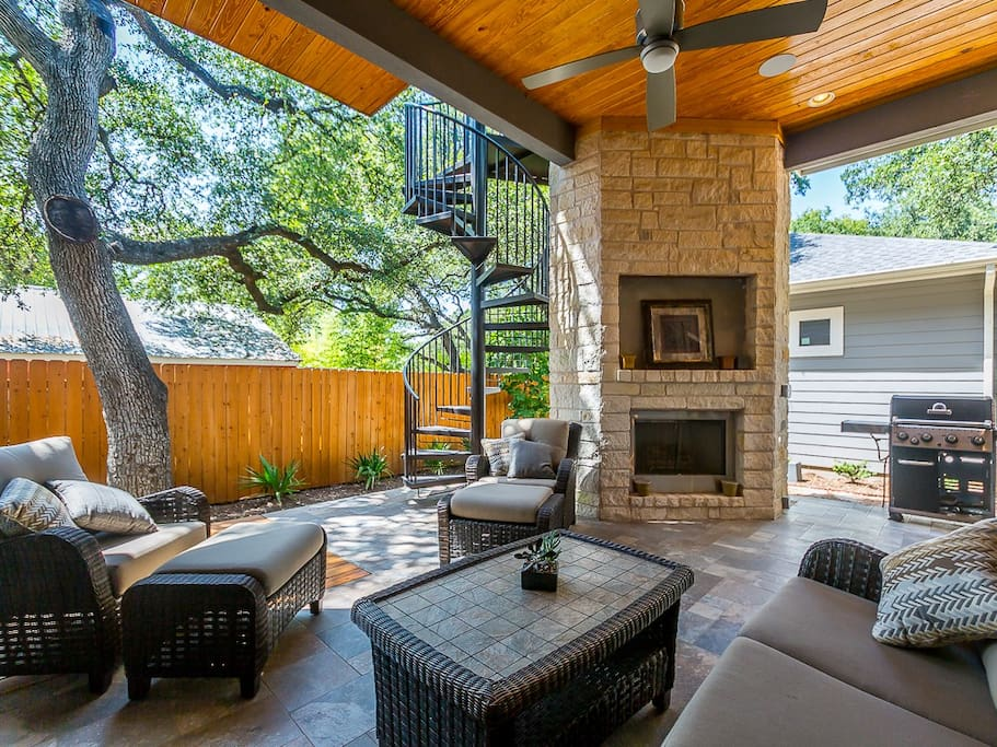 Outdoor covered lounge area
