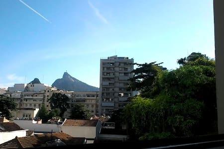 Apartamento todo reformado no Flamengo - Rio de Janeiro
